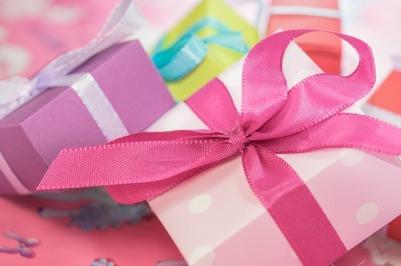 gift-553149_640